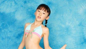 u15模特明星,自7歲出道以來拍攝了多部集和dvd金子美圖片