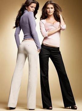 搭配三学生范儿 长袖衬衫或针织衫+背带阔腿裤