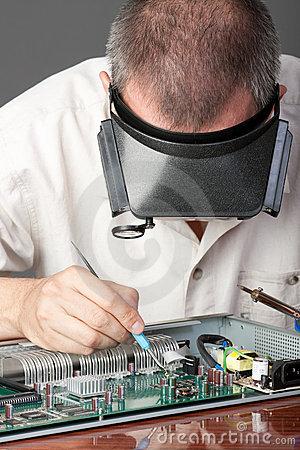 电子产品心脏的设计师——电路工程师,主要负责控制系统设计方案的制
