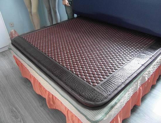 电气石养生床垫