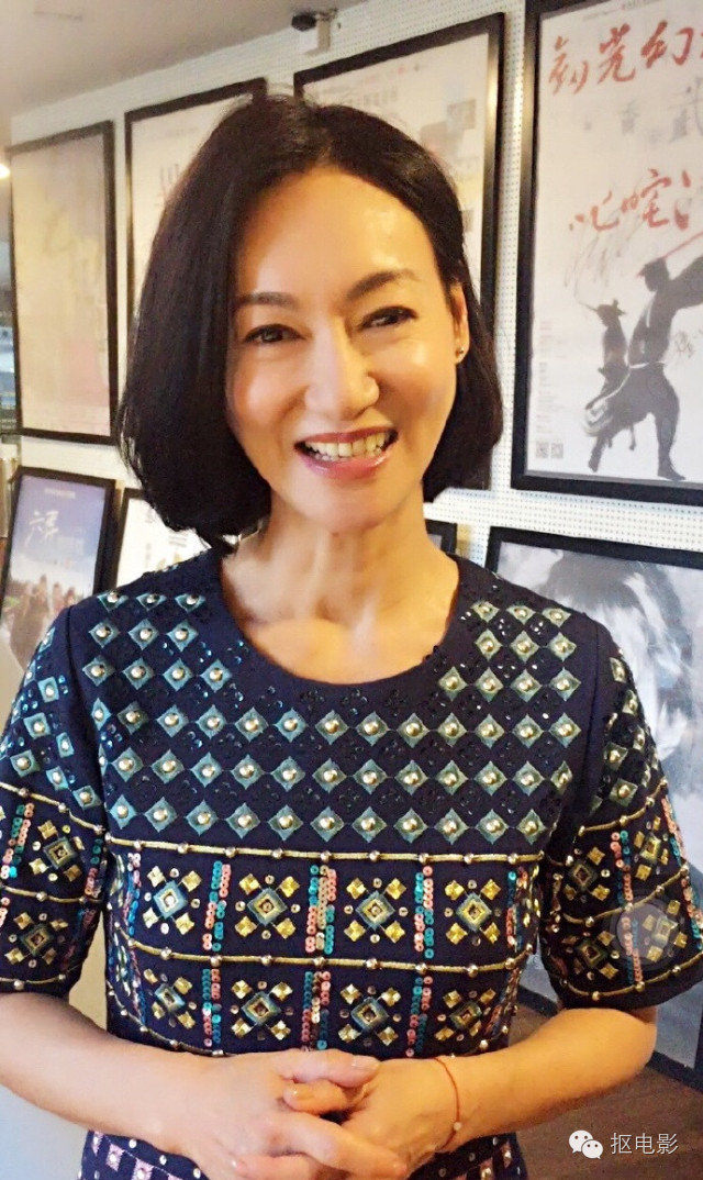 全素颜,老年妆,扮丑,她再次锁定香港金像奖影后!