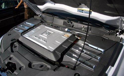 在燃料电池氢汽车的发展主要有三个障碍.
