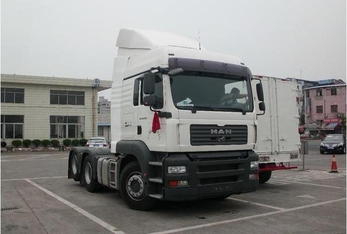 "TGA卡车是德国曼商用车辆股份公司出品的长途运输重型卡车。TG代表的是""Trucknology Generation"",发动机功率从310马力到660马力,排放全部达到了欧3排放标准,十分环保。 tga重型卡车名"